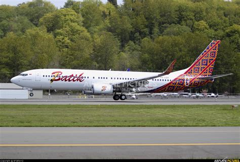 batik air id 7157 pk lbh batik air boeing 737 900er at seattle boeing