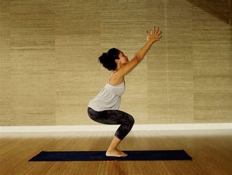 utkatasana o la postura de la silla cuadernos del yogui 12 posiciones de yoga para bajar de peso r 225 pidamente la gu 237 a de las vitaminas