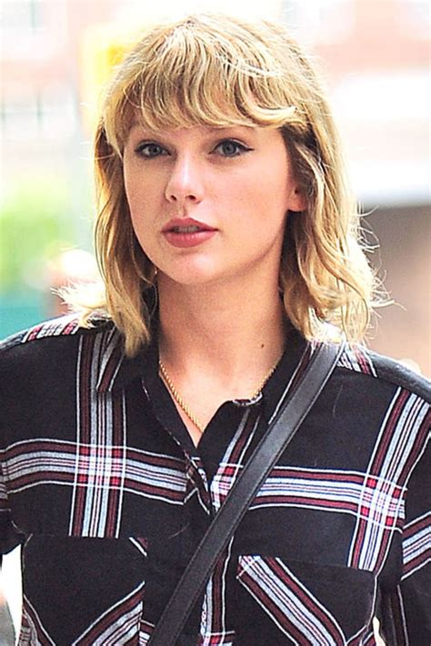 taylor swift 2015 short haircut back view 13 best shag haircuts of all time iconic celebrity shag