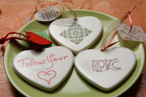 Wedding Favors Ornaments by 15 Creative Wedding Favor Ideas Random Talks