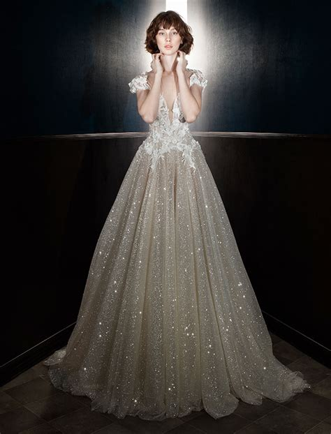 5 Wedding Gown Trends For 2010 by Wedding Dress In The World Wedding Dresses