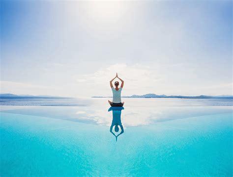 imagenes de yoga frente al mar yoga frente al mar le cool valencia