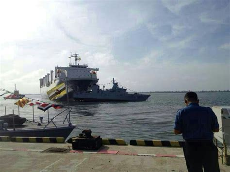 boat crash brunei navy ship collision gallery