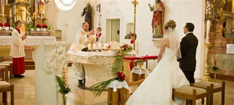 kirchliche hochzeit planen kirchlich heiraten ja wort mit segen weddix