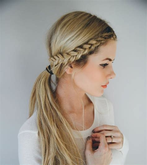 Easy Braided Hairstyles by 14 Ridiculously Easy 5 Minute Braids Brit Co
