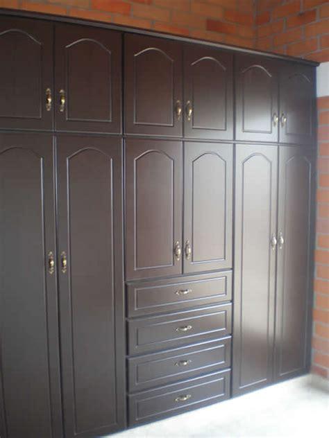 puertas closet  cocinas en madera catalogo de closet