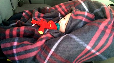 how to make a car seat poncho 5 great tutorials for a car seat poncho real