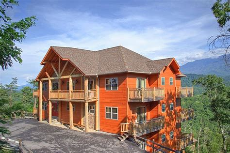 12 bedroom cabins in tennessee 82 best images about large family reunion cabins places on