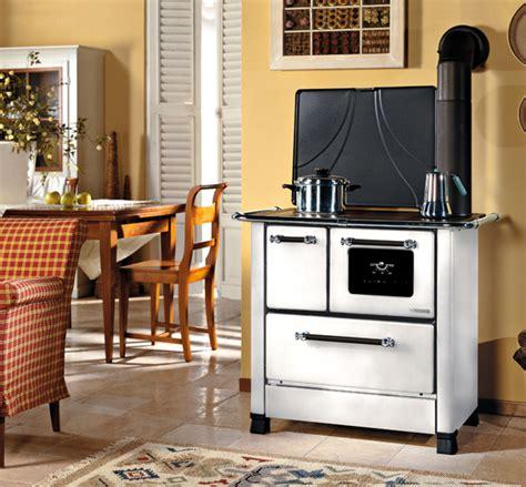 cucina nordica cucina legna romantica nordica 4 5 dx rivestimento in acciaio
