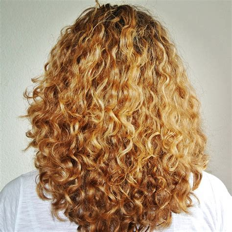 Types Of Curly Hair by Curly Hair Routine For Gorgeous Type 3a Curls