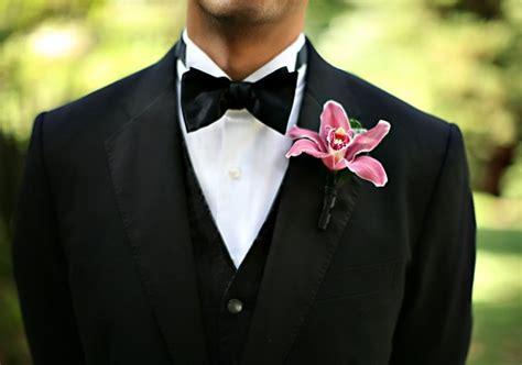 fiore occhiello sposo sposo con fiore all occhiello consigli per sceglierlo