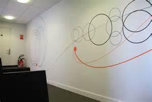 Comment Decorer Un Couloir #7: Deco-mur-couloir-entreprise-salle-reunion.jpg