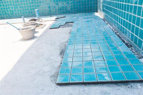 piastrelle per piscina rivestimenti per piscine