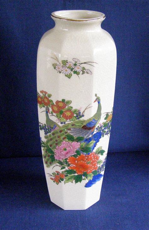 Japanese Peacock Vase by Interpur White Crackled Glaze Gold Leaf Octagonal