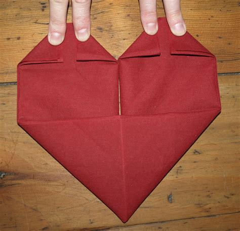 comment plier des serviettes de table en papier facile plier serviette table 5 le pliage de serviettes