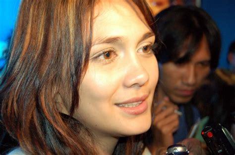gambar tato luna maya gambar hot artis dan sexy model indonesia artis indonesia