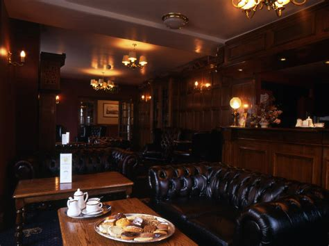 pub sofa pub sofas pub chairs making pubs a comfortable warm and