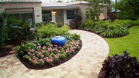 Front Garden Landscape Ideas Front Yard Landscaping Ideas Diy Landscaping Landscape Design Ideas Plants Lawn Care Diy