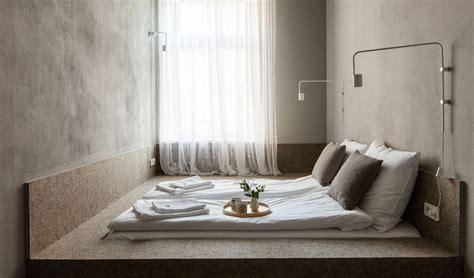 picking    bed frame squarerooms