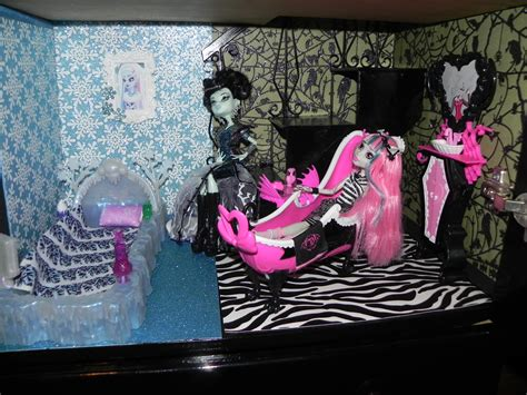 monster high school house monster high house and school monster high photo 33279202 fanpop