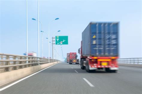 the comprehensive guide to freight shipping services