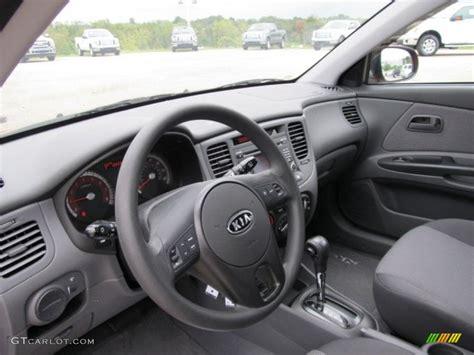 Kia Hatchback Interior Gray Interior 2010 Kia Rio5 Lx Hatchback Photo