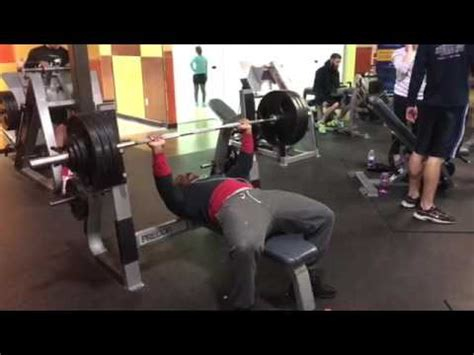 justin smith bench press 350 lb bench press for 6 reps youtube