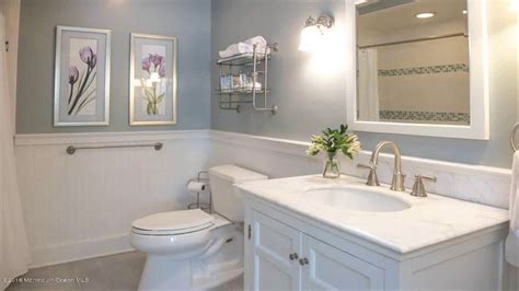 Wainscot Bathroom Pictures by Bathroom Ideas Using Wainscoting