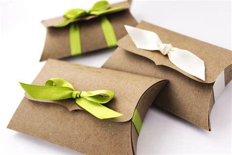 Kraft Pillow Boxes 10 Medium Ribbon Tie gift card holder
