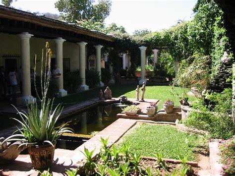 spanish style courtyards alamos 2006