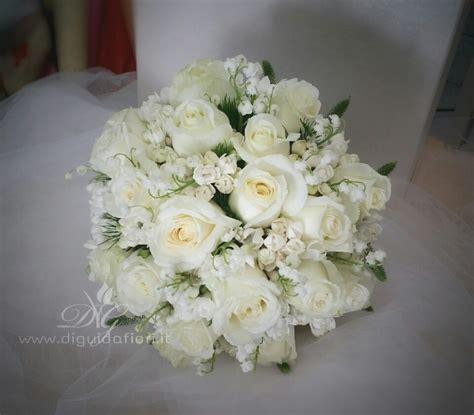 prezzo fiori matrimonio bouquet da sposa elegante e raffinato dettagli per