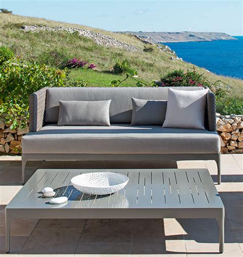 divani da esterni divano a tre posti per arredamento giardino poltrone e