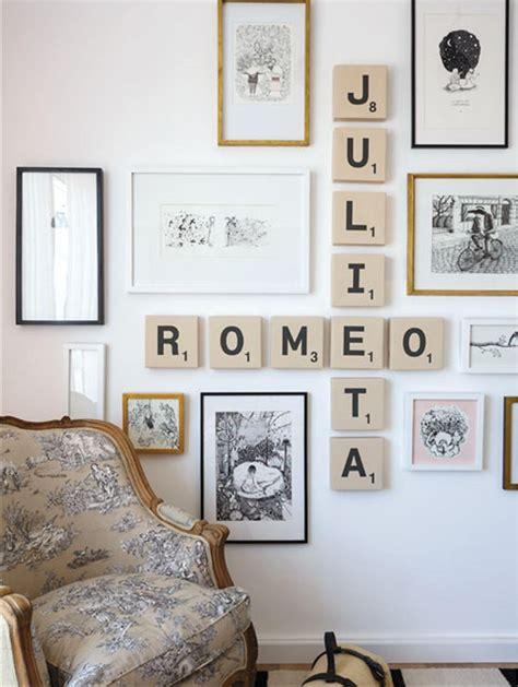 cadre deco chambre un mur de cadre original et romantique collection avec