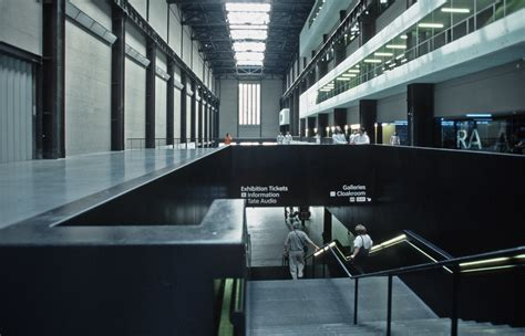 pictures of modern file tate modern 2001 05 jpg wikimedia commons