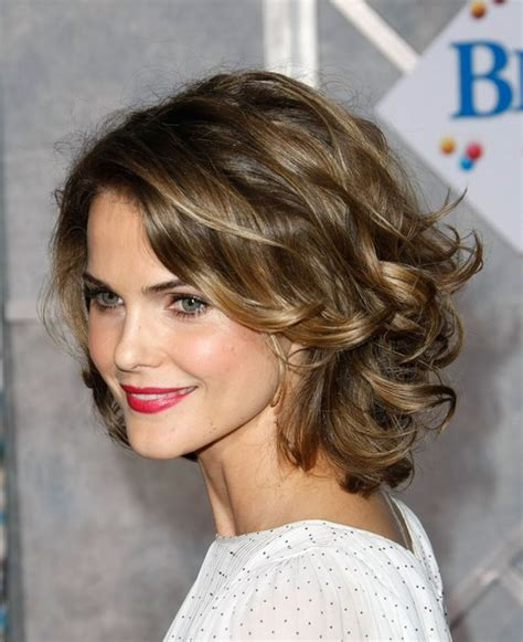 short loose wave hairstyle spring hair idea medium length waves for casual