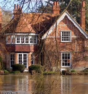 george michael mansion george michael hopes flooding river thames won t wreck his