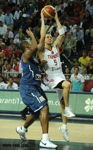 Turkish Bascketball Mba Player by Basketball Images 5 Sinan G 220 Ler Turkey Wallpaper And