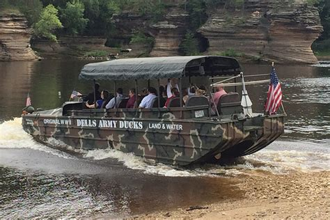 wisconsin dells duck boats what is an army duck tour dells army ducks