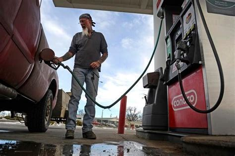 colorado gas prices on the rise before memorial day weekend