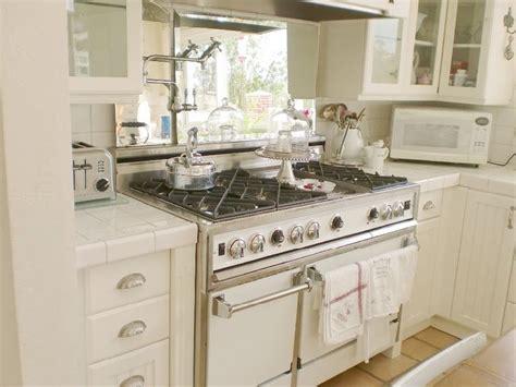 Cermin Pintu Belakang Viva atur furnitur berdasarkan feng shui rumah dan gaya hidup