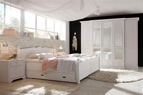 landhaus schlafzimmer kleiderschrank landhausstil cinderella romantik stil