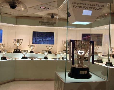 imagenes de trofeos del real madrid fotos exposici 243 n trofeos tour bernabeu viajar a madrid