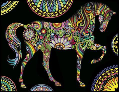 Disegno Da Colorare Con Pennarelli Inclusi Cavallo