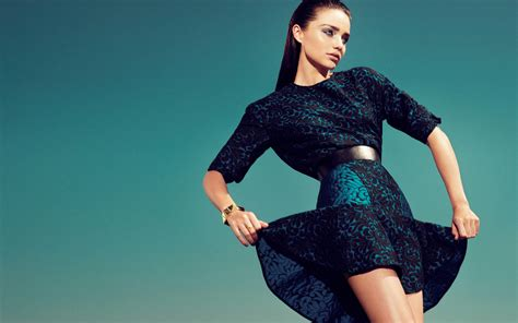 Preloved Atasan by Tren Baju Atasan Wanita Masa Kini Prelo Tips