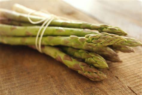 alimenti per disintossicarsi come disintossicarsi in primavera 5 alimenti consigliati