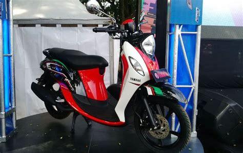 Lu Tembak Kecil Untuk Motor empat sepeda motor berukuran kecil yang cocok untuk wanita