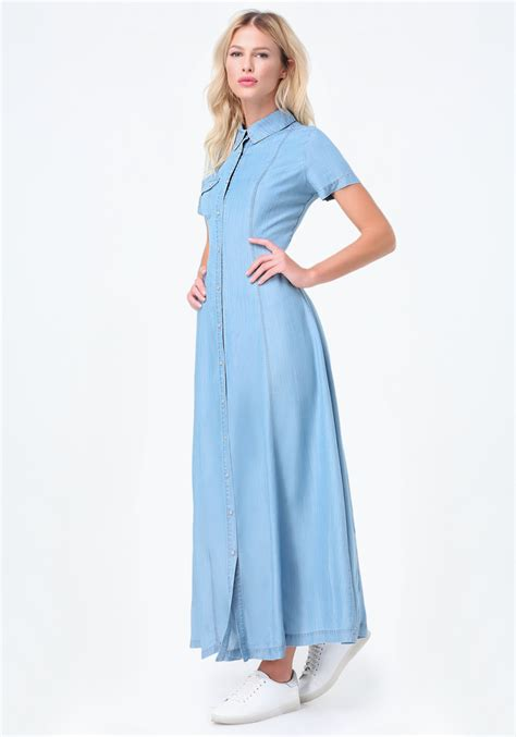 aida maxi blue denim lyst bebe light denim maxi shirtdress in blue
