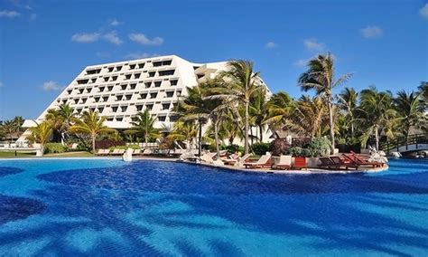 all inclusive grand oasis cancun stay with airfare from vacation express in cancun groupon