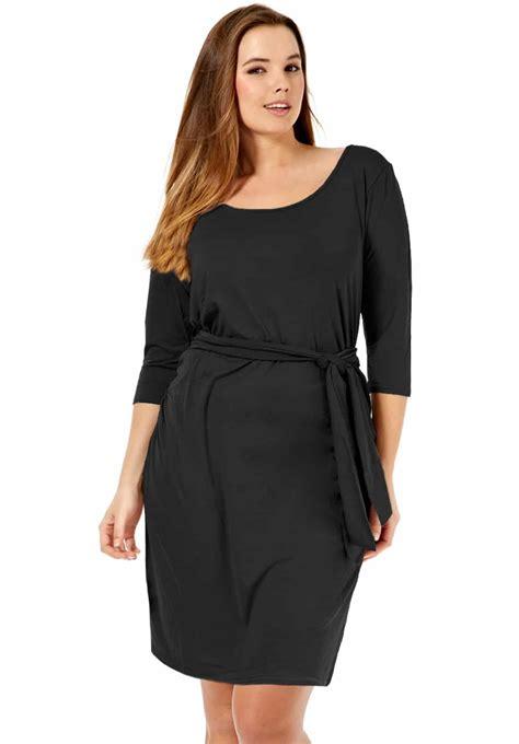 Robe noire grande taille, tous mes conseils pour la choisir