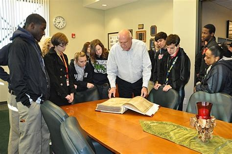 Bossier Parish Court Records Parkway Hs Students Tour Bossier Courthouse